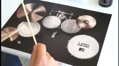 Brand message『The Music Never Stops』. MTV's place mat advertisement.