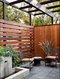 den sichtschutzzaun versch nern oder neu gestalten garten pinterest sichtschutzzaun. Black Bedroom Furniture Sets. Home Design Ideas