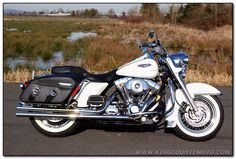 2004 Harley Davidson Road King Classic Passion in my 30 and just for to be to much work in my 40's