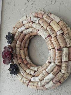 Handmade Real Wine Cork Wreath Simply Arizona by mustlovecork, -- recreate idea? Wine Craft, Wine Cork Crafts, Wine Bottle Crafts, Wine Cork Wreath, Wine Cork Art, Wine Cork Projects, Craft Projects, Craft Ideas, Wine Bottle Corks