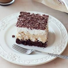 cocoa sponge cake with dulce de leche and meringue covered with whipped cream and sprinkled with chocolate Polish Recipes, Sponge Cake, Food Cakes, Something Sweet, Love Food, Cake Recipes, Caramel, Food And Drink, Cooking Recipes