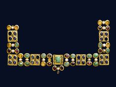 Necklace or ornamentfor a dress Byzantine Museum of Cycladic Art, Athens Heaven and Earth: Art of Byzantium from Greek Collections Byzantine Jewelry, Medieval Jewelry, Byzantine Art, Ancient Jewelry, Old Jewelry, Antique Jewelry, Vintage Jewelry, Greek Jewelry, Medieval Art