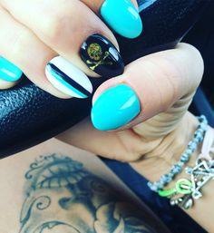 💅🏻☠NAILS to BARCELONA ☠💅🏻 #nails #nail #dafnefamily #dafne #dafnenails #tattoo #bici #cicling #redhook #redhookbarcelona #barcellona #barcelona #teschio #tiffany