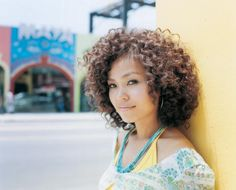 (Hair Style: Braid Out)  Length: Medium/Shoulder Length * Japanese Singer Miss Monday