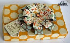 Julie Odil - Pizza box and loopy loopy bow flower