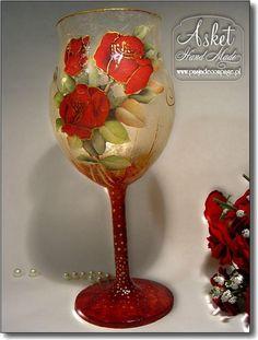 Bottles And Jars, Glass Bottles, Wine Glass, Glass Art, Glass Bottle Crafts, Christmas Candles, Diy On A Budget, Tea Set, Best Gifts