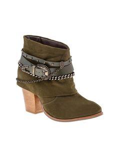 546fc91aba 10 melhores imagens de Sapatos   Beautiful shoes, Bootie boots e Shoe
