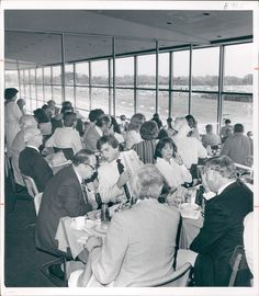 This was the scene in the Clubhouse Dining Room at the 1978 Preakness.