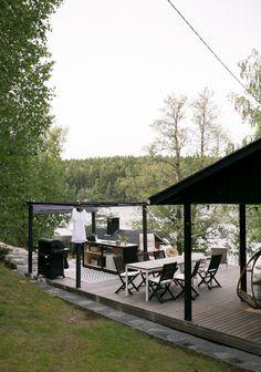 DIY: SAAREKE TERASSILLE | oblik. Outdoor Spaces, Outdoor Living, Outdoor Decor, Summer Kitchen, Log Homes, Outdoor Gardens, Outdoor Furniture Sets, Pergola, Cottage