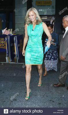 Lara Spencer Wedding, Lily Pulitzer, Period, Legs, Wedding Dresses, Check, Beautiful, Fashion, Bride Dresses
