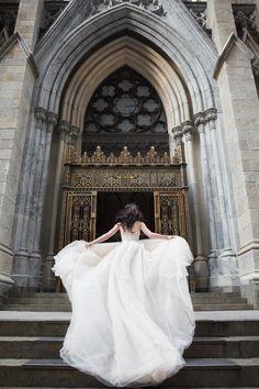 Lena Hall in Galia Lahav with SF based Blue Note Weddings