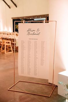 San Francisco Wedding with Nature-Inspired Minimalism and Bold Pops of Color LIsta orden alfabético – Minimalist Meets Colorful San Francisco Wedding Seating Chart Wedding, Seating Charts, Wedding Trends, Wedding Designs, Wedding Hacks, Wedding Ideas, Wedding Gifts, Wedding Souvenir, Budget Wedding