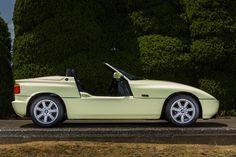 Funmee!!で紹介された、Z1をピックアップ。 「排気量が大きいため、3ナンバーとなりますが、ボディは5ナンバーに収まるサイズです」 #BMW #Z1 Bmw Z1, Benz Car, Bmw Cars, Convertible, Classic, Legends, History, Cars, Automobile
