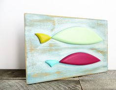 ♥2 folky handpainted fish...perfect to brighten up your kitchen or cottage!  ♥I found this piece in a second-hand shop - its obviously handmade