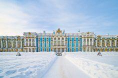 Facade du Palais d'été à Tsarskoe Selo en hiver (également orthographié Tsarskoye Selo ou Tsarskoïe Selo) dans la ville de Puskin - RUSSIE - Saint Petersbourg