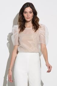 Amanda Uprichard Smith Top Set in White Earth Modern Filipiniana Gown, Look Fashion, Womens Fashion, Fashion Design, Blouse Designs, Trendy Outfits, Marie, Ideias Fashion, Fashion Dresses