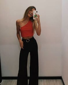 Discover recipes, home ideas, style inspiration and other ideas to try. Cute Casual Outfits, Simple Outfits, Stylish Outfits, Fashion Outfits, Night Outfits, Spring Outfits, Fiesta Outfit, Mode Ootd, Look Girl