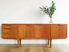 Aparador McIntosh años 60 / Ref: MC101 midcentury - aparador - sideboard - macintosh - wood - woodwork - madera - furniture - mobiliario - thenave