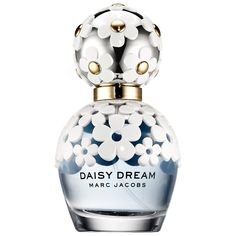 Inspired by the boundless spirit of daisies and blue skies, Daisy Dream reflects Marc Jacobs' irresistible mix of intricate details, elegance, and femininity for a fresh interpretation of the iconic Daisy motif. The fruity-floral fragrance has a ligh