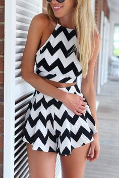 Wave Stripes Backless Halterneck Crop Top With Shorts Two-piece Suit