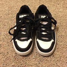 sneakers Tony Hawk sneakers. White and black, hardly worn. men's size 7. Tony Hawk Shoes Sneakers
