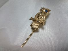 Vintage Estate Gold Feathered Perched Owl Blue Rhinestone Brooch Stick  Pin  #Unbranded