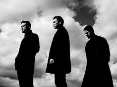 White Lies anuncian gira y estrenan 'Take it out of me' - Musikorner Band Photography, Photography Editing, Rock Bands, Uk Headlines, Indie, Rock News, Music Aesthetic, Live Band, Band Photos