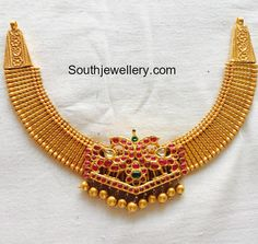 Jewelry OFF! Simple Gold Choker with Peacock Kundan Pendant photo Gold Necklace Simple, Gold Jewelry Simple, Gold Necklaces, Short Necklace, Unique Earrings, Gold Bangles Design, Gold Jewellery Design, Indian Jewelry, Bridal Jewelry