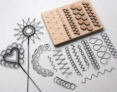 kit - drahtbügel -drahtbügel kit - drahtbügel - Extended Wire Crochet Supply Kit with 2 ROSE GOLD wire spools - Yooladesign Wire jig, Thing-A-Ma-Jig, aluminum and plastic, clear, x inch with 30 pegs and fasteners. Wire Crafts, Metal Crafts, Diy And Crafts, Wire Wrapped Jewelry, Wire Jewelry, Jewelry Armoire, Jewelry Art, Handmade Jewelry, Wire Earrings