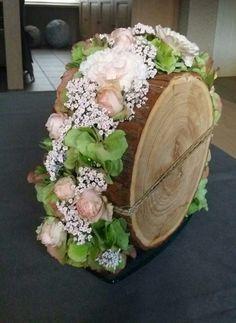 G – Wedding Flowers Flower Box Gift, Flower Boxes, Flowers, Contemporary Flower Arrangements, Floral Arrangements, Art Floral, Handmade Decorations, Flower Decorations, Wood Slice Crafts