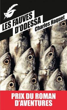 On nourrit les poissons avec des excréments de cochons.