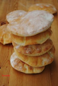 Bread pocket recipe - quick, self-inflating pita bread with only 4 ingredients . - Bread bag recipe – quick, self-inflating pita bread with only 4 ingredients! and bake Bread - Quick Bread Recipes, Pie Recipes, Quick Meals, Cooking Recipes, Party Recipes, Naan, Ciabatta, Bread Bags, Bread Baking