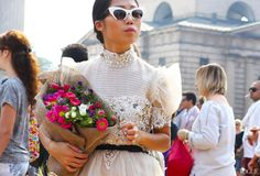 Summer Trend: The Best Statement Sunglasses to Wear This Summer - Vogue Daily - Fashion and Beauty News and Features - Vogue Cool Street Fashion, Street Chic, Milan Fashion, Daily Fashion, Fashion Photo, Fashion Weeks, Vogue, Spring Street Style, Material Girls