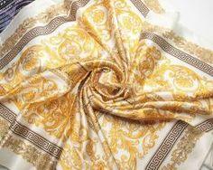 Elegantná dámska hodvábna šatka v zlatých odtieňoch (4)
