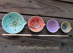 Hey, I found this really awesome Etsy listing at https://www.etsy.com/uk/listing/241681785/pottery-custom-measuring-cups-baking