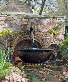 I like this cobbled together water feature which is described as a Sugar kettle. It would look 10 times better without that silly statue on the right. Outdoor Water Features, Water Features In The Garden, Jacuzzi, Garden Fountains, Water Fountains, Home Landscaping, Garden Pictures, Outdoor Living, Outdoor Decor