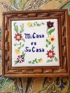 """Vintage Pretty Ceramic Trivet Mexican Tile-""""Mi Casa es Su Casa"""" flowers and Wooden Carved Frame Mexican Ceramics, Wooden Frames, Carving, Pretty, Flowers, Tile, Crafts, Vintage, Decoration"""