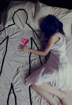 bed-color-girl-heart-lonely-Favim.com-312850.jpg (380×550)