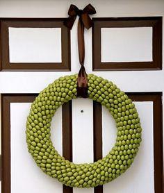 Eichel Kranz grün schöne Schleife Tür
