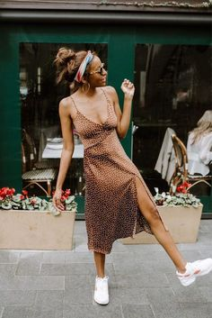cheetah slip dress and sneakers outfit Dress And Sneakers Outfit, Casual Dress Outfits, Comfy Dresses, Summer Dress Outfits, Summer Fashion Outfits, Simple Dresses, Trendy Outfits, Slip Dress Outfit, Overalls Outfit