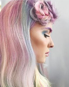 """Stylist Sprayers® on Instagram: """"✨Daydreams✨ Creativity strikes again for hairstylist @shelleygregoryhair and we are just in awe with her work! Style: @chitabeseau Makeup:…"""""""
