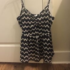 Wild Pearl Chevron Print Sheer Tank Top Super cute and great for summer! Sheer tank top that is sort of a fit and flare. Has adjustable straps. Not too sheer that you have to wear a shirt or tank underneath, a black bra will suffice. NWOT. Non-smoking household. No trades please but offers are welcome :) Nordstrom Tops Tank Tops