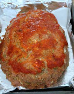 Turkey Meatloaf with Zucchini and Feta - Organize Yourself Skinny Zucchini Meatloaf, Turkey Meatloaf, Zucchini Bread, Meatloaf Recipes, Beef Recipes, Cooking Recipes, Healthy Recipes, Healthy Food, Shredded Zucchini