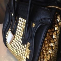I want a black gold studded bag. Studded Leather Jacket, Studded Purse, Leather Bag, Studs And Spikes, Celine Bag, Bago, Look Cool, Clutch Wallet, Purses And Bags