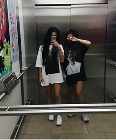 Hazle berrinche a tu bestie por no tener fotos como estas contigo Hazle berrinche a tu bestie por no tener fotos como estas contigo Cute Friend Pictures, Best Friend Pictures, Friend Pics, Fotografie Hacks, Friend Tumblr, Photographie Portrait Inspiration, Best Friend Photography, Cute Friends, Best Friend Goals