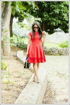 Vermelho Lady Like por Ella's Modas!                                                                                                                                                                                 Mais