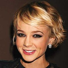 Short Cute Wavy Blonde Pixie  Read more http://www.2015hairstyle.com/short-women-hairstyles/25-short-wavy-hairstyles-for-women.html