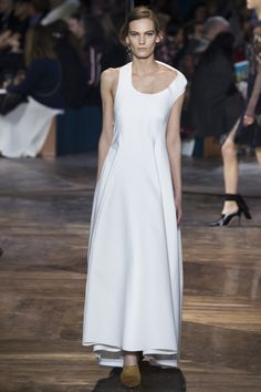 Christian Dior Spring 2016 Couture Fashion Show Collection