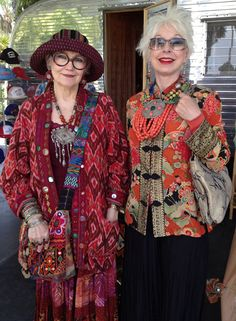 Suzi Click and Gretchen Shields About Us - Power of Adornment Power of Adornment/Mum/DM Wise Women, Old Women, Moda Tribal, Dame Chic, Moda Hippie, Hippie Gypsy, Looks Street Style, Advanced Style, Ageless Beauty