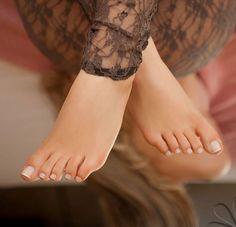 Cute Toes, Pretty Toes, Feet Soles, Women's Feet, Foot Pedicure, Feet Nails, Toenails, Toe Polish, Painted Toes